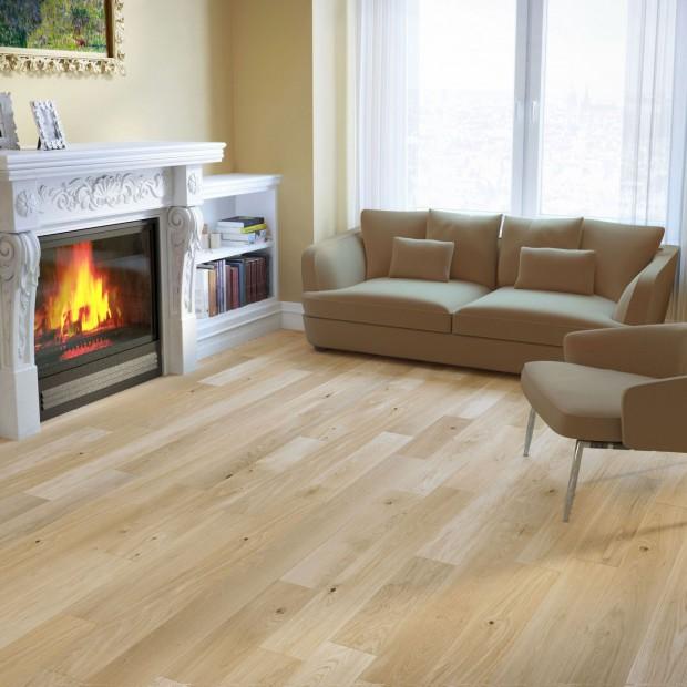 Drewniana podłoga w pokoju dziennym