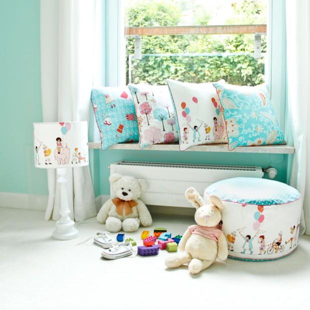 Kolorowe poduszki do pokoju maluszka