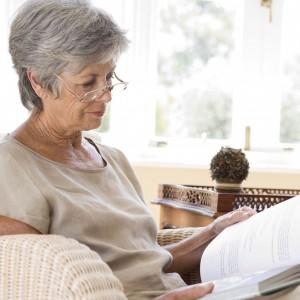 Urządzamy sypialnię dla seniora: praktyczne porady, wskazówki