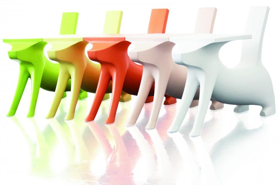 Krzesełko-stoliki pieski.jpg