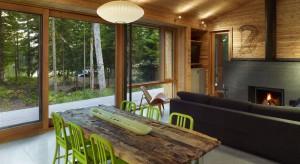 Stealth Cabin to drewniany dom, którego założeniem projektowym była pełna integracja z otaczającą przyrodą, zminimalizowanie wpływu na środowisko oraz wykorzystanie pracylokalnych rzemieślników. Czy pomysł się u
