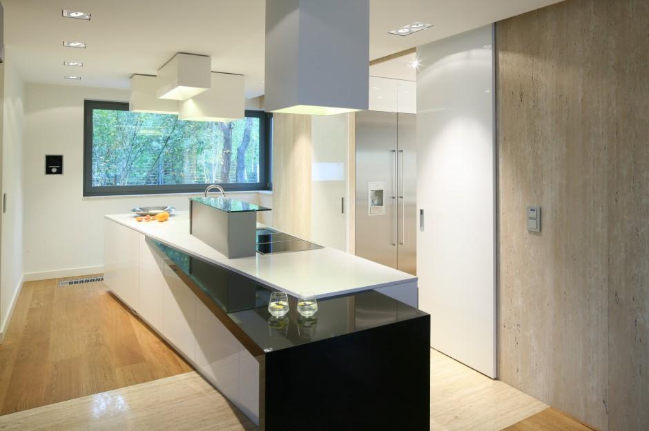 Wnętrze ma czystą, ładną formę. Oszczędną, prostą, ale nie pozbawioną subtelnej elegancji. Fot. Bartosz Jarosz.