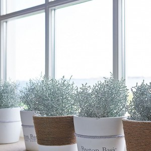 Doniczka ceramiczna Breton. 72 zł, Riviera Maison/HOUSE&more.