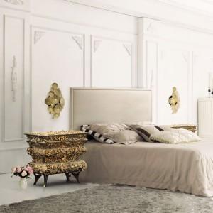 Szafka nocna Crochet. Materiał: drewno wykończone płatkami złota i lakierem na wysoki połysk.