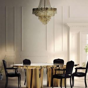 Ręcznie wytwarzany ośmioosobowy stół jadalniany z limitowanej edycji Fortuna. Materiał: drewno i polerowany mosiądz. Waga: 370 kg.