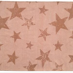 Dywan Vintage Star Salmon z gwieździstym motywem - propozycja dla dziewczynek. Fot. mini Avanti.
