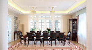 Aranżacja jadalni to nie tylko stół i krzesła. To także oświetlenie. W naszej galerii znajdziecie najciekawsze aranżacje jadalni, w których oświetlenie pełni rolę dekoracji.