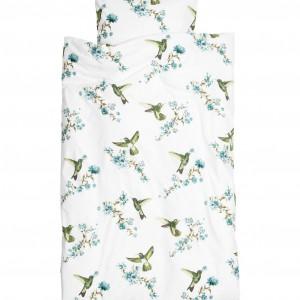 Biała pościel w delikatne, wiosenne wzory. Pościel wykonana z cienkiej bawełny, zapinana na kryte, metalowe zatrzaski. Cena  99,90 zł.Fot. H&M Home.