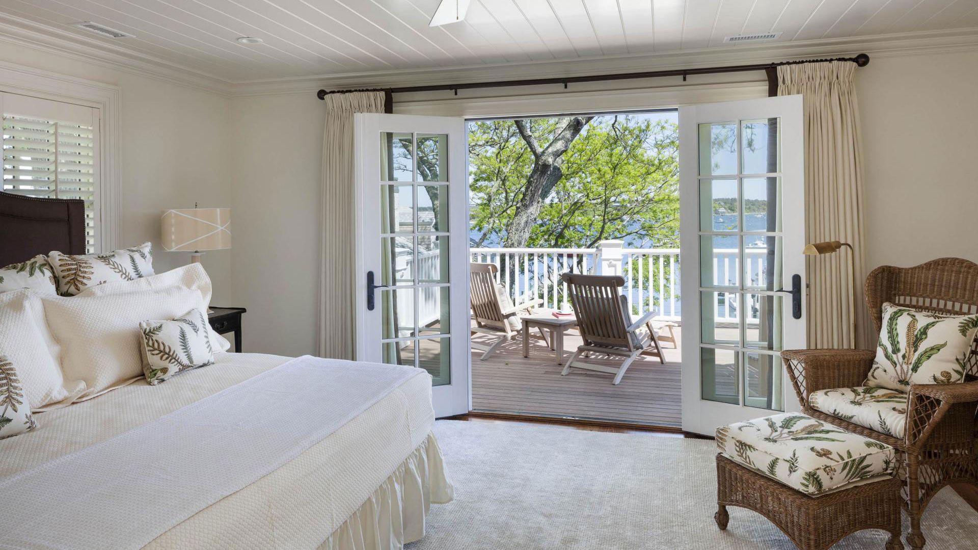 Sypialnia z wyj ciem na zainspiruj si wn trzem w ameryka skim stylu strona 16 - Finestre stile americano ...