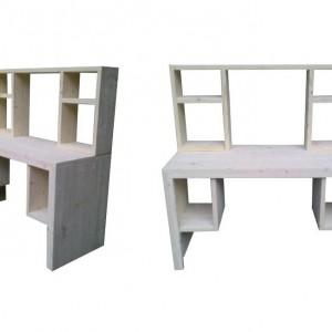 Duże biurko z półkami wykonane z jasnego drewna. Fot. Wooden Factory.