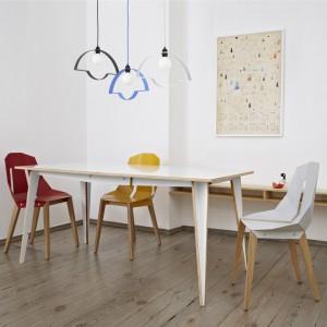 Stół Maciek, krzesła Diago, lampa Nowa Stołowa. Fot. Tabanda.