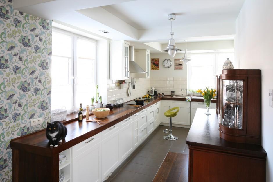 Wnętrze stanowi perfekcyjne Kuchnia dla rodziny urządzona ze smakiem -> Kuchnia Wspólczesna Funkcjonalna I Ze Smakiem
