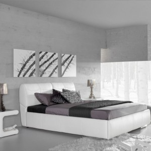Tapicerowane łóżko Solaris z regulowanymi zagłówkami wezgłowia. Fot.Bydgoskie Meble.