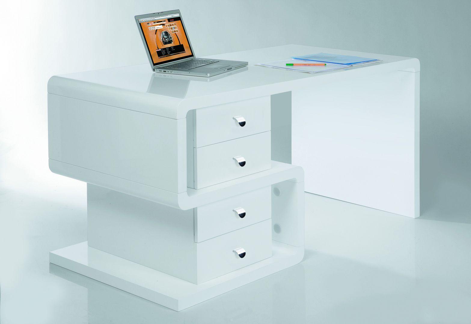 Oryginalny wygląd biurka Booble oraz perfekcja wykonania w każdym detalu szeregują ten mebel w kategorii rzeczy wyjątkowych. Sprzedaż: Moma Studio. Cena: 3.215 zł.