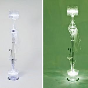 Mario Bellini  do dwóch lamp dodał dodatkowe elementy tworzą ciekawą formę. Proj.Mario Bellini.Fot. Kartell.
