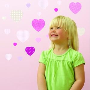 Serca w pokoju dziecka. Dekoracje