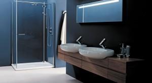 Prostokątna kabina wymaga nieco więcej miejsca. Jeśli masz małą łazienkę rozważ wybór kabiny półokrągłej.