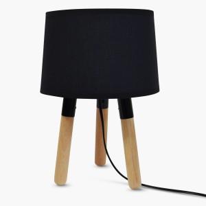 Lampa Bergen z podstawą wykonaną z drewna. Czarny, materiałowy abażur. Cena 275 zł. Fot. Marbella Lighting / Lightonline.pl