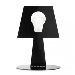 Lampa Bendino to oryginalna, minimalistyczna forma. Wykonana ze stali lakierowanej proszkowo, dostępna w kilku kolorach. Cena 248 zł. Fot.Pulpo / CzerwonaMaszyna.pl