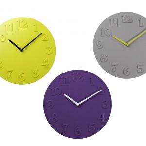 Minimalistyczny zegar ścienny Hamlet w trzech kolorach do wyboru. Cena: ok 35 zł, sprzedaż: Jysk.