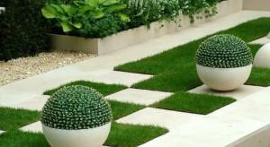 Nietuzinkowy kształt, ciekawy pomysł aranżacyjny, oryginalność w każdym względzie. To wszystko sprawi, że twój ogród nabierze niepowtarzalnego wyglądu.