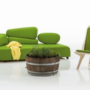Świeża wiosenna zieleń sofy i fotela z kolekcji Individuals. Fot. Brühl.