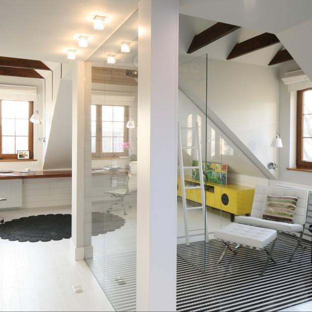 Dom w bieli. Łazienki w stylu nowoczesnym