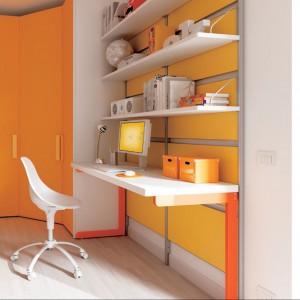 Żółte fronty mebli w pokoju ucznia poprawią pamięć i koncentrację. Fot. Moretti Compact.