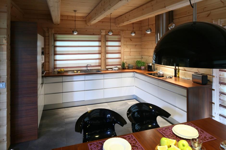 Podłogę w całej części Kuchnia w domu z drewna