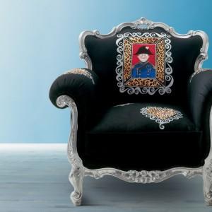 Fotel Alice - dekorowany ręcznie w zadziornym choć francuskim stylu. Fot. Creazioni.