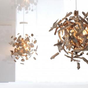 Żyrandol Lumieere Atomisee - inspirujący pomysł na drewno. Fot. Bleu Nature.