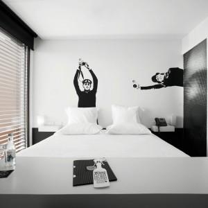 Inspirujące pomysły: czarno–biała sypialnia