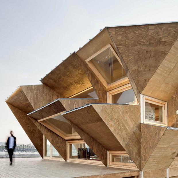 Unikatowa architektura. Niepowtarzalne wzornictwo okien