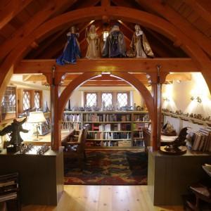 Drewniane materiały i okrągłe, lubiane przez hobbitów formy. Fot. Archers&Buchanan.