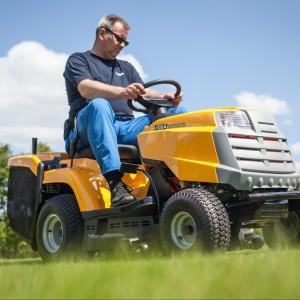 Kompaktowy traktor Stiga Estate Master