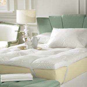 Delikatne odcienie zieleni dobrze sprawdzą się w klasycznych wnętrzach. Fot. House of Bath.