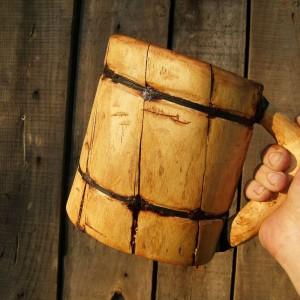 Drewniany kufelek. Fot. Makezine