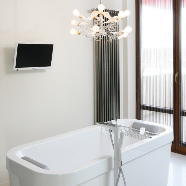 Elegancka łazienka: w czerni i bieli