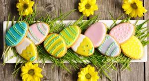 Coraz bliżej do Świąt Wielkanocnych. Zachęcamy do przygotowywania wielkanocnych dekoracji i ozdób. To dzięki nimstworzymy niesamowitą atmosferę w naszym domu!