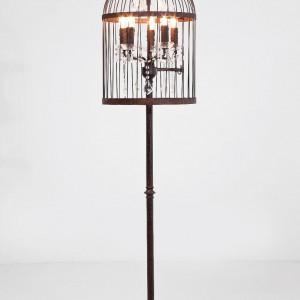 Lampa stojąca Cage Chandelier - motyw klatki jest wyjątkowo modny. Marka: Kare Design. Sprzedaż: Exito Design. Cena: ok. 2500 zł.