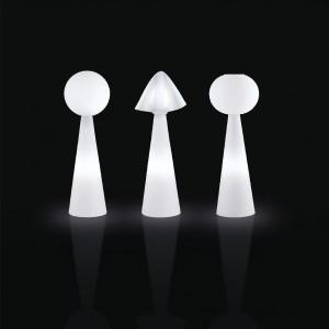 Kolekcja lamp Pivot marki Slide - świecą w całości, bez wyróżnienia źródeł światłą. Marka: Slide. Sprzedaż: Pani Lampa. Cena: 2015 zł.