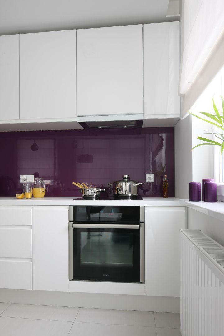 Piekarnik i okap Modna biała kuchnia Ożyw ją kolorem