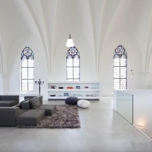 Wyposażenie ograniczono do minimu - dzięki temu piękne wnętrze oddziałuje z tym większą mocą. Fot. Frank Hanswijk.