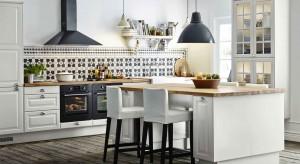Oświetlenie pełni w kuchni zarówno rolę praktyczną, jak i dekoracyjną – podkreśla architekt Małgorzata Goś i podpowiada, jak obie funkcje połączyć, aby było estetycznie, ładnie i wygodnie.