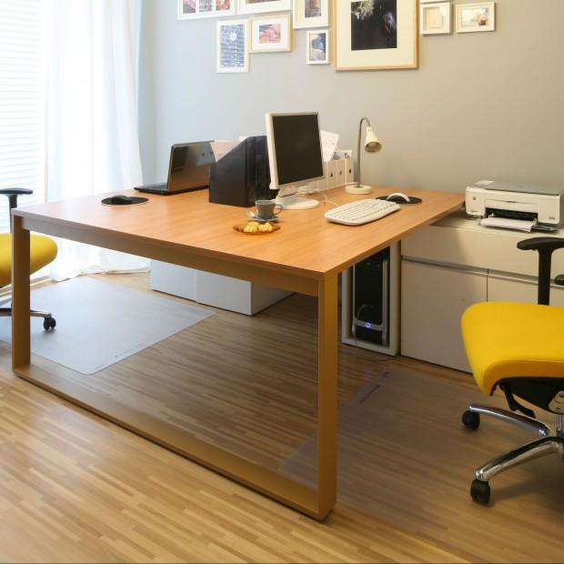 Krzesła obrotowe. Kolorowe modele do biura