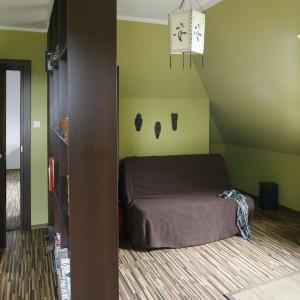 Sufit zdobi lampion w orientalnym stylu. Fot. Archiwum Dobrze Mieszkaj.