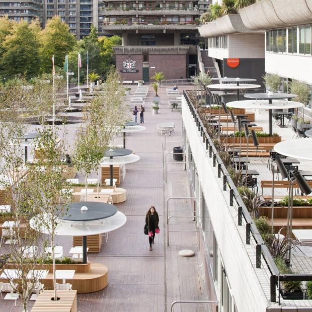 Barbican Foodhall&Lounge. Beton i barwa