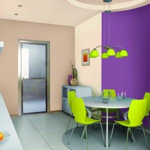 Biostatyczna farba lateksowa Kuchnia-łazienka do pomieszczeń szczególnie narażonych na działanie wilgoci. Stabilizuje ilość niebezpiecznych dla zdrowia pleśni, grzybów i bakterii. Odporna na szorowanie iwielokrotne zmywanie wodą z dodatkiem detergentów. Wydajność: do 12 m²/l. 58,26 zł/2,5 l (biała), Śnieżka.