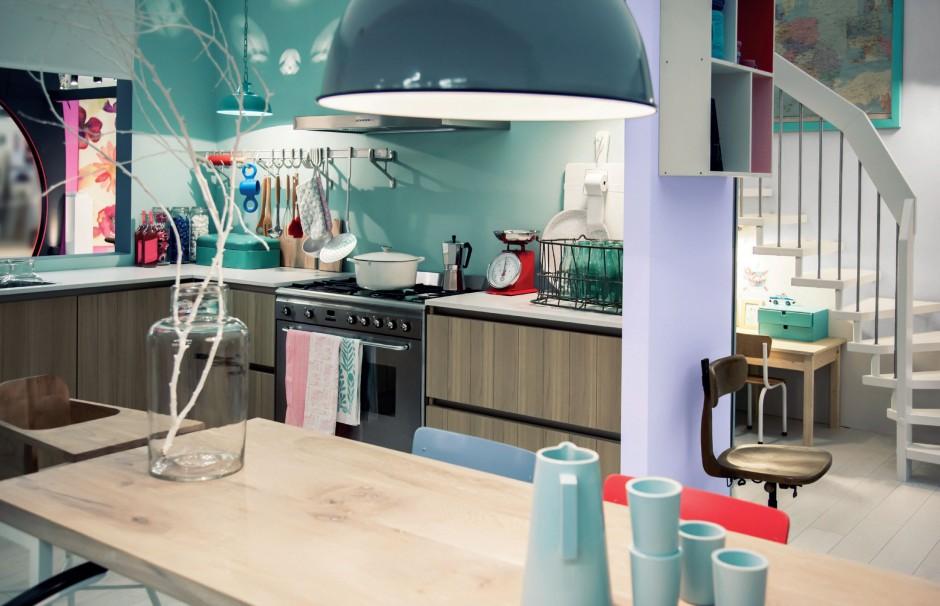 Farba Designer Kitchen&Bathroom opracowana z myślą o pomieszczeniach narażonych na wilgoć, rozwój grzybów pleśniowych, kondensacje pary wodnej, działanie tłuszczów i inne zabrudzenia. Wykazuje podwyższoną odporność na mycie wodą z dodatkiem detergentu. Ok. 103 zł/2,5 l, Beckers.