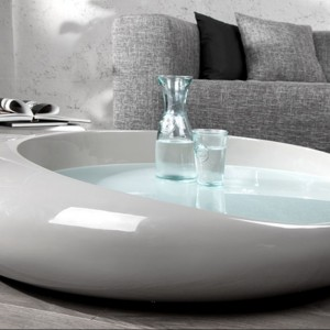 Nowoczesny stolik Elipse Grey. Fot. Fabryka Design.